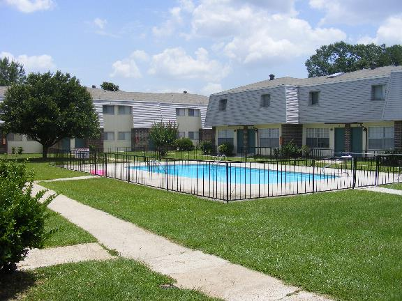 Hillendale Apartments. Hillendale Apartments in Hattiesburg  MS   2820 Lincoln Rd