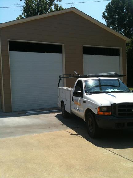 Alternative Garage Doors - 5594 Bridge Mill Ln, Memphis, TN