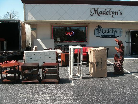 Madelynu0027s Furniture