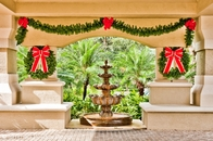 Trimmers Holiday Decor