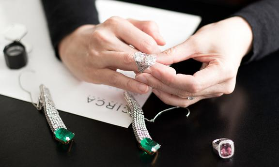 Tips to Become a Jewelry Buyer