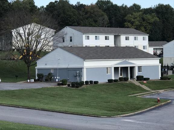 . Avondale Park Apartments   1351 Avondale Dr   Clarksville  TN