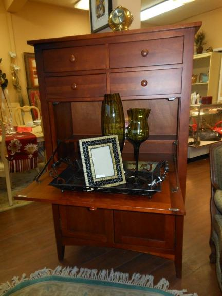Upscale Resale Consignment Frn
